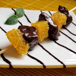 brocheta de naranja y chocolate