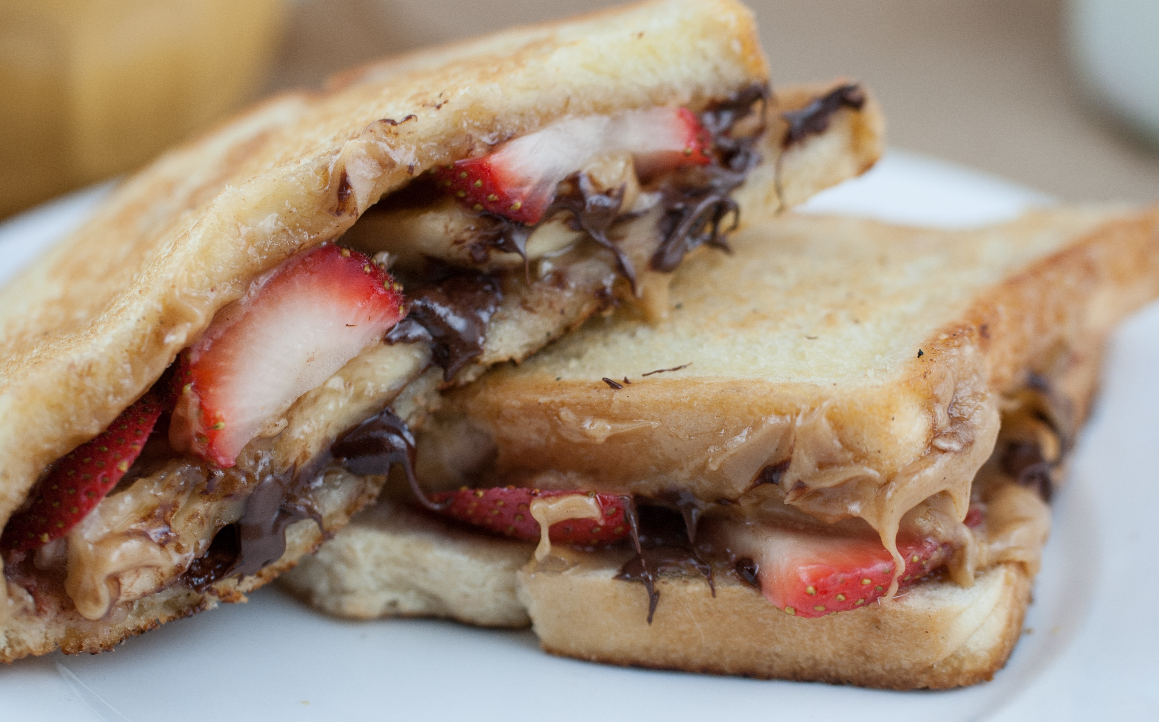 sandwich chocolate plátano y fresas