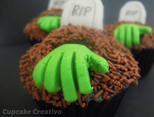 Cupcake Zombie Halloween
