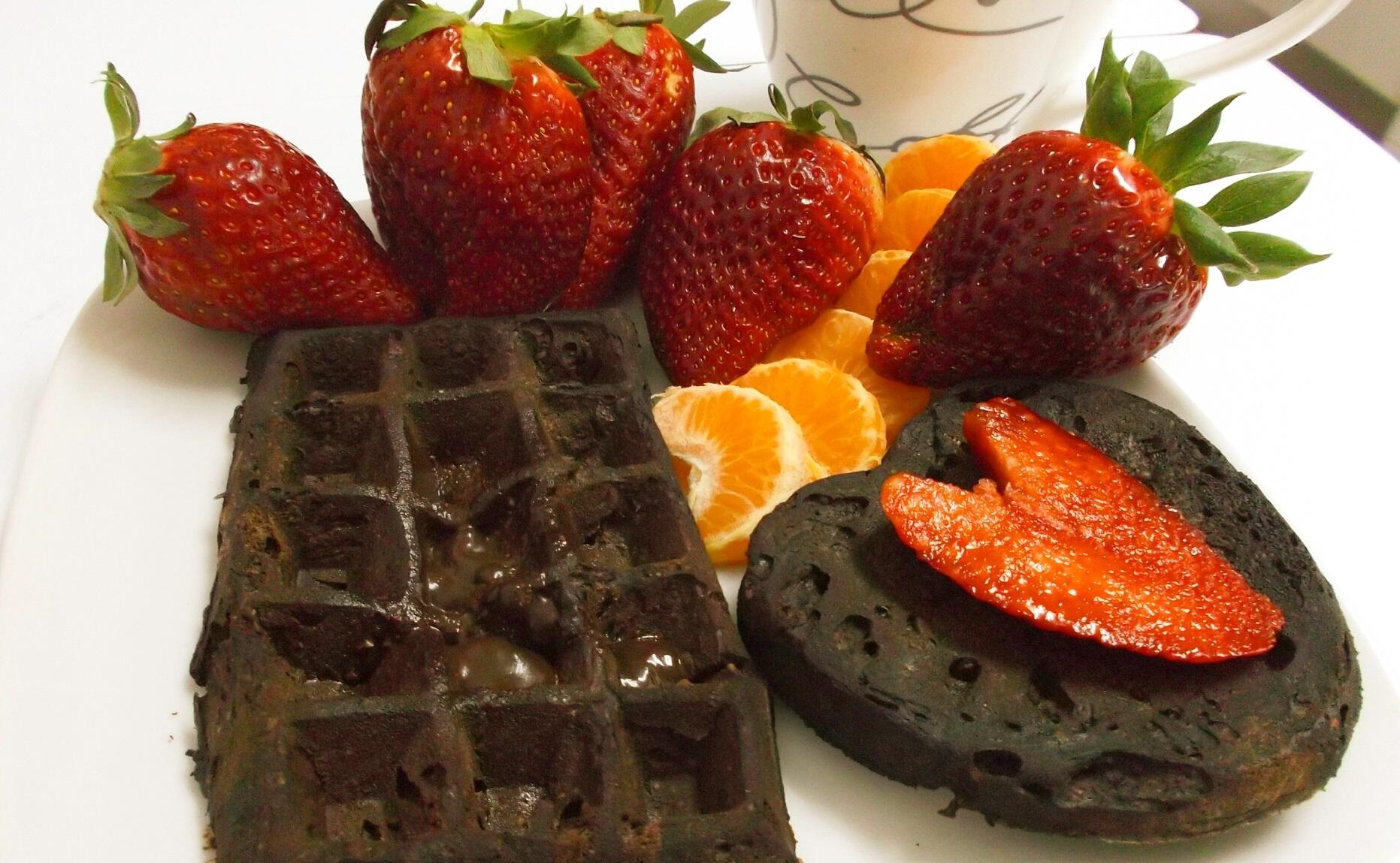 Gofre y corazón de chocolate